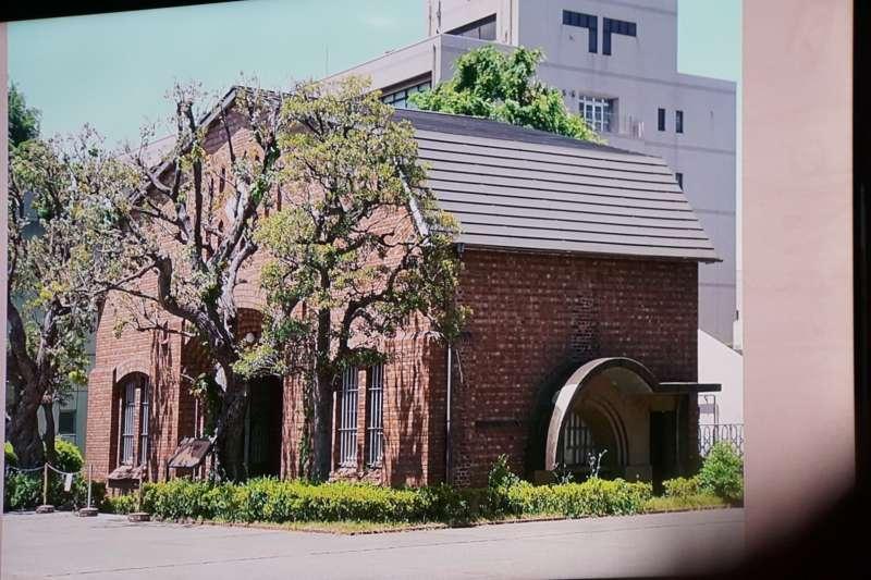 平和之森小學新址內的中野監獄大門。