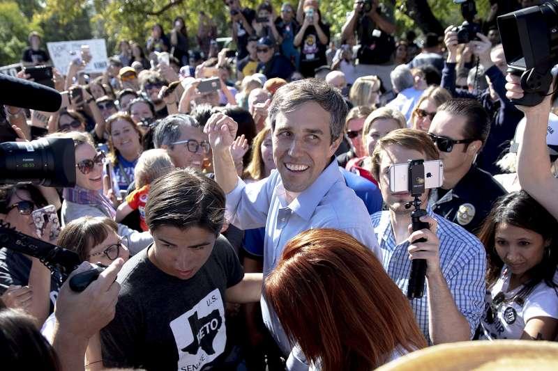 2018美國期中選舉11月6日即將登場,圖為德州參議員民主黨候選人歐洛克。(AP)