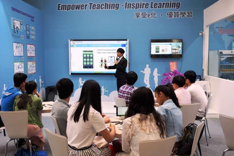 教育部在前瞻基礎建設計劃中,將強化數位教學暨學習資訊應用環境列為重點,國內業者亦同步協助學校軟硬體完美整合,提升學生學習及教師專業發展。(圖/網奕資訊科技提供)