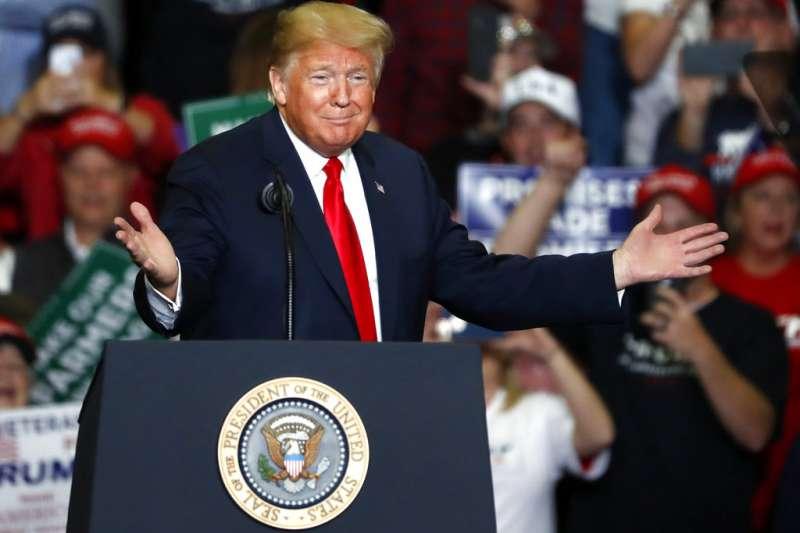 作者認為,美國期中選舉結果顯示中美貿易戰並沒有因期中選舉而停止,而中國的經濟硬著陸的風險大幅提高。(資料照,AP)
