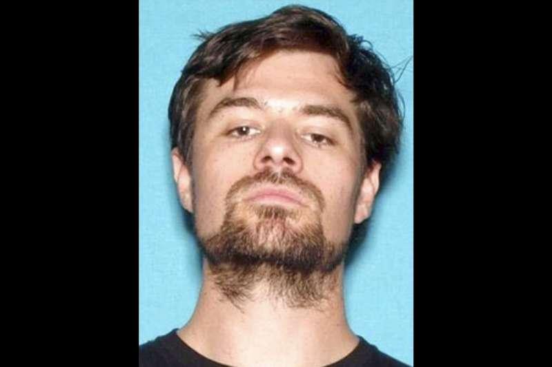 犯下美國加州千橡市酒吧槍擊案,殺害12人並自盡的退伍軍人隆格。(AP)