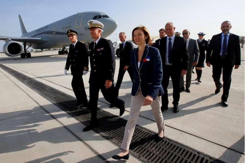 法國國防部長帕利(Florence Parly)參加法國空軍運輸機MRTT A330啟用典禮。她的助理說,「歐洲干預倡議 」旨在讓歐洲有獨立行動的能力。(BBC中文網)