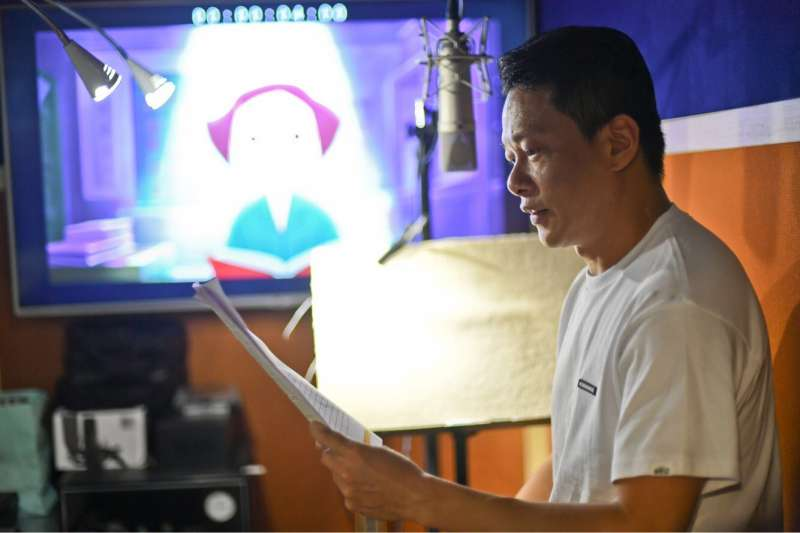 金馬影帝李康生獻聲,為金馬獎幫23個獎項、42部入圍影片配音。(金馬執委會提供)