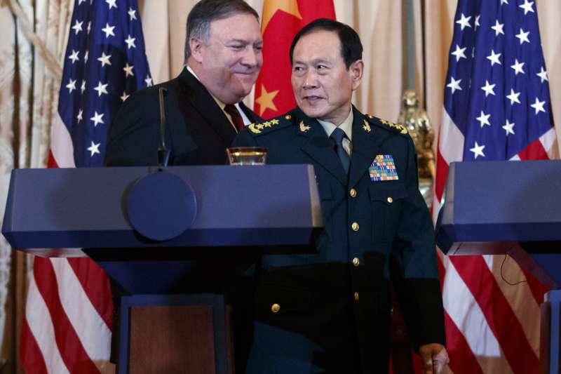 2018年11月9日,美中外交與安全對話在華府召開,美國國務卿龐畢歐與中國國防部長魏鳳和會後召開聯合記者會(AP)