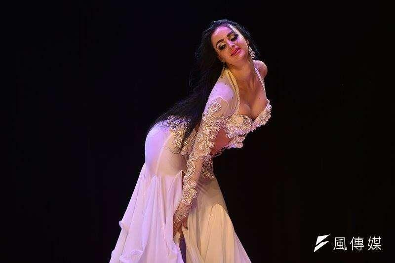 荷蘭東方舞大師洛莉泰來台舞動強悍而美麗。(王永志攝)