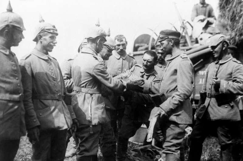 一戰終戰百年,歷史照片。佔領比利時的德國軍隊(AP)