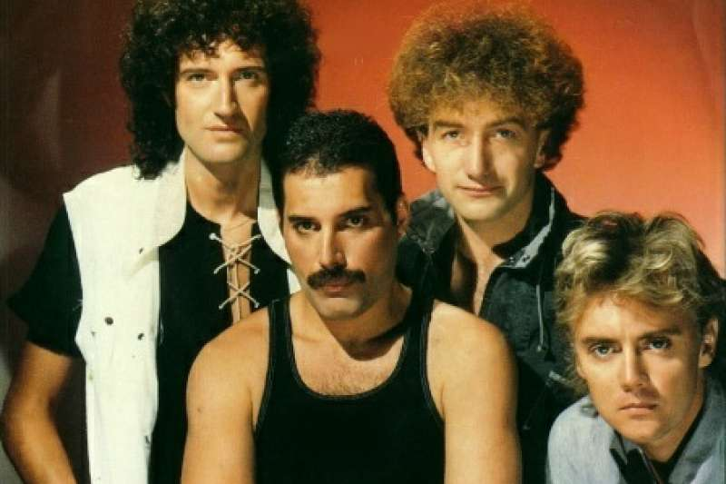 皇后樂團由Freddie Mercury(主唱)、Brian May(吉他手)、John Deacon(貝斯手)、Roger Taylor(鼓手)四人組成。(圖/取自flickr)