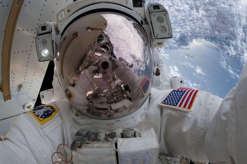 太空人在太空中打嗝居然會造成這種後果…(圖/智慧機器人網提供)