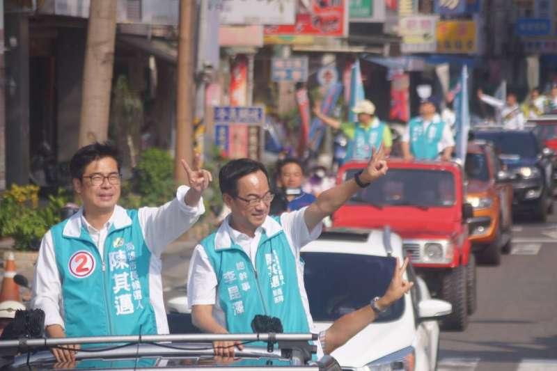 民進黨高雄市長候選人陳其邁,今(13)日展開大選以來首次的車隊掃街。(陳其邁競選總部提供)