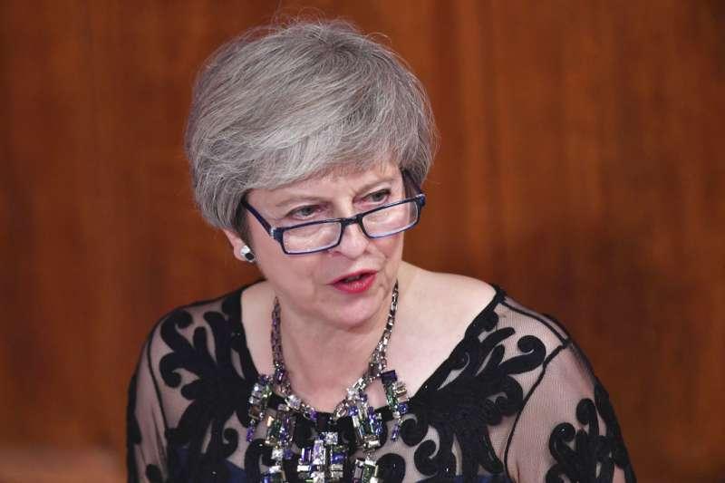 2018年11月13日,英國與歐盟談判代表終於就脫歐達成草案協議。圖為英國首相梅伊。(美聯社)