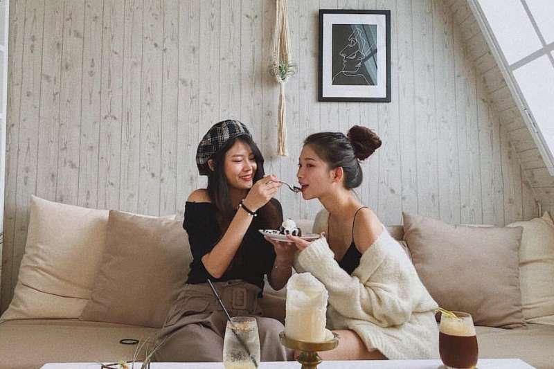 口袋裡的咖啡廳名單沒有了嗎?假日不知道要去哪裡嗎?精選台北七間美到不行的咖啡廳,讓你怎麼拍都像網美!(圖/instagram@una.wa)