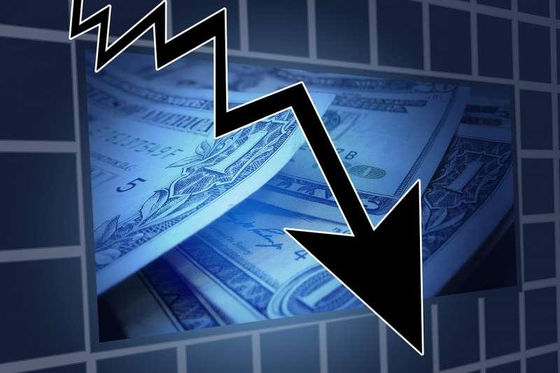 英國脫歐、貿易緊張及關稅提升、金融緊縮、中國經濟成長減緩成為影響全球經濟的「四朵烏雲」。(資料照,取自pixabay)