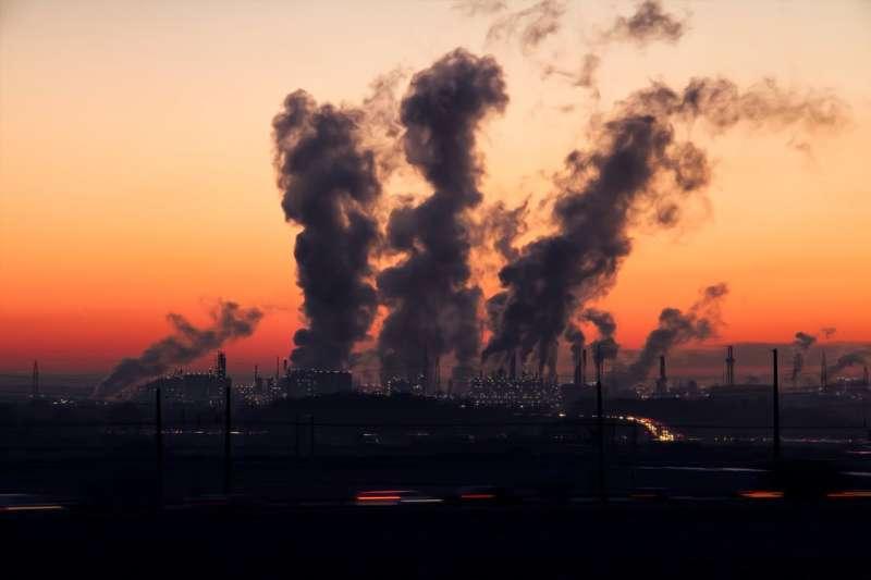 許多人都以為歐洲山明水秀、重視環保,應該不會有空污的問題,但事實上他們到現在都還在與污染搏鬥。(圖/pexels)