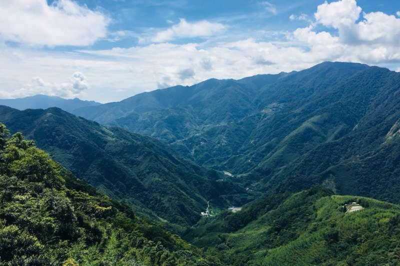 許多西方旅人透過「奧丁丁在地體驗」一圓登山夢,大讚台灣山林之美。(圖/奧丁丁提供)