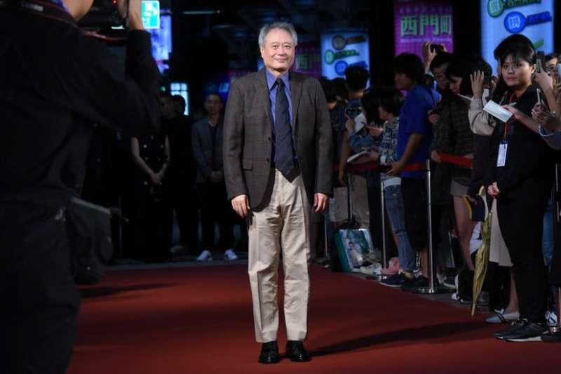 台灣大導演李安在金馬影展的紅地毯上(BBC)