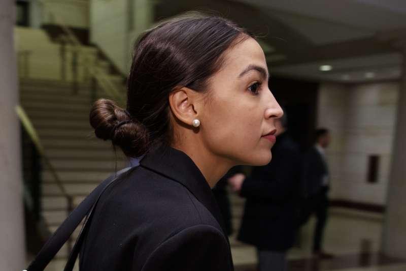 美國民主黨籍的紐約州新科聯邦眾議員奧卡西歐─寇特茲是政壇新星(美聯社)