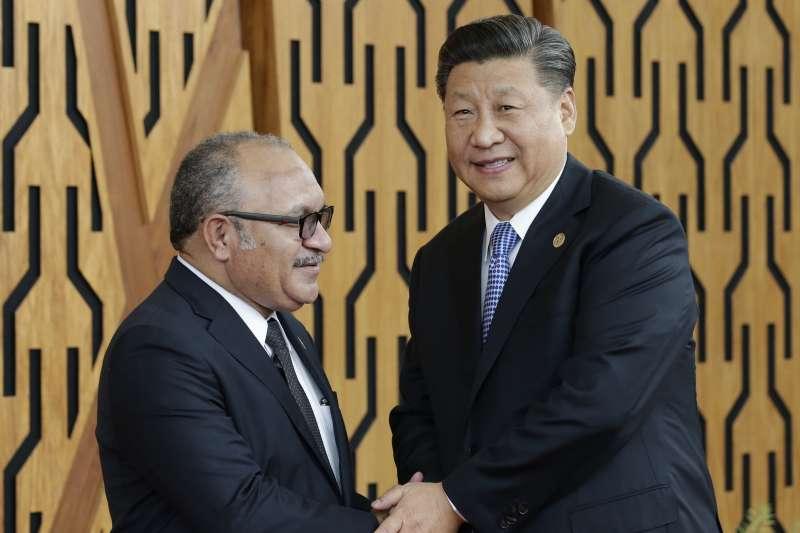 2018年11月,APEC經濟領袖會議,巴布亞紐幾內亞,中國國家主席習近平與巴紐總理歐尼爾(AP)