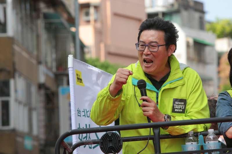 20181120-民進黨台北市長候選人姚文智20日於北投、士林進行車隊掃街。(顏麟宇攝)