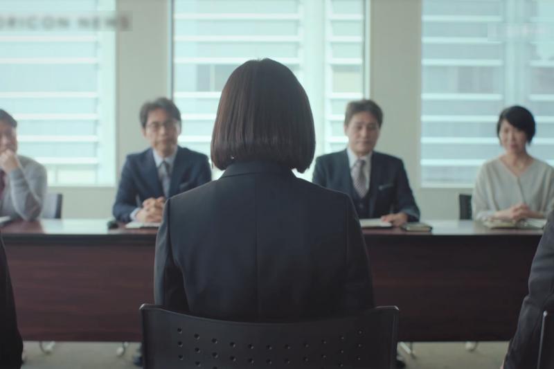 許多台灣年輕人都找工作找到懷疑人生,背後原因除了低薪之外,台灣企業的高傲態度更令人惱怒!(圖/取自youtube)