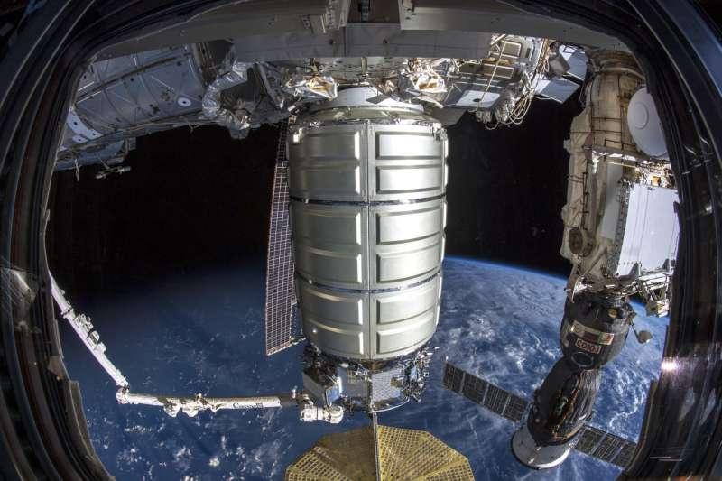 2018年11月19日,國際太空站(ISS)迎來最新一批酬載(AP)