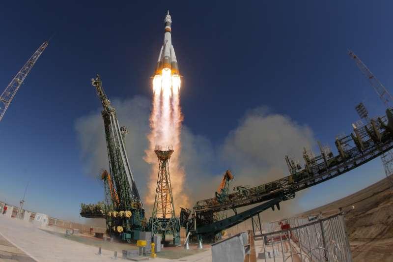2018年10月11日,蘇聯「聯合號」太空船載太空人前往國際太空站(ISS)(AP)