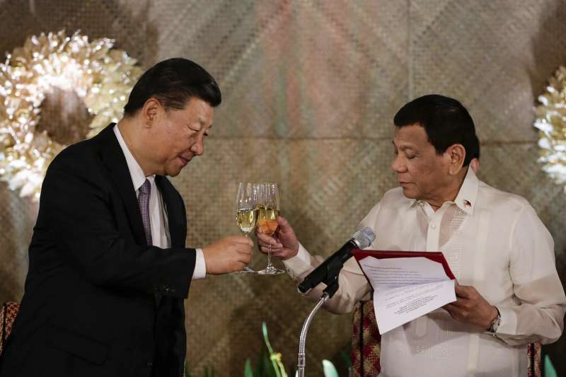2018年11月20日,中國國家主席習近平抵達馬尼拉,對菲律賓進行國是訪問,與菲律賓總統杜特蒂舉行會談(AP)