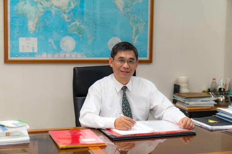 經濟部能源局副局長李君禮強調,能源轉型政策的推動,是以確保國家能源供應穩定與安全為前提,並兼顧環境永續、掌握綠色成長和實現社會公平。(圖/經濟部能源局提供)