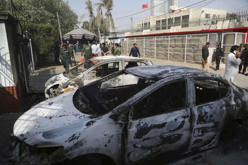 2018年11月23日,中國駐巴基斯坦喀拉蚩總領事館疑遭恐怖攻擊。(AP)