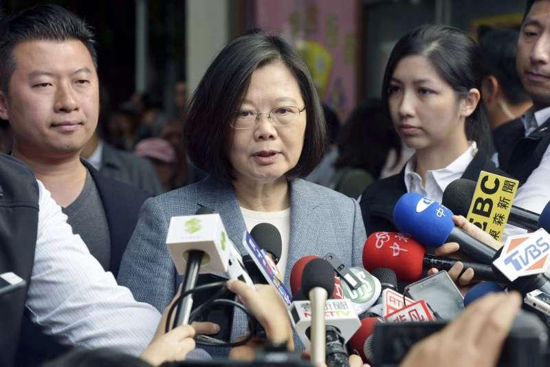 2018年11月24日,台灣九合一選舉,蔡英文總統投票(AP)