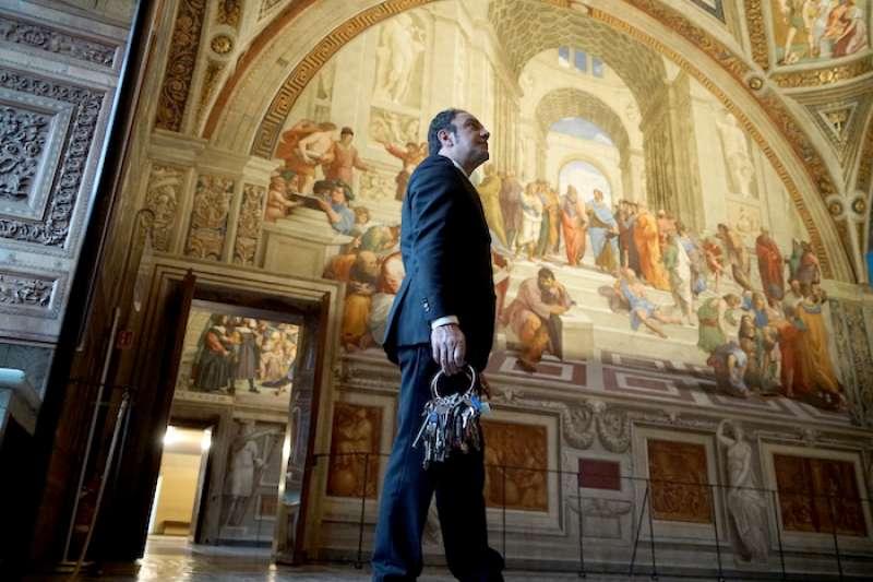 梵蒂岡博物館掌管鑰匙的負責人強尼・克雷亞(曾廣儀攝)
