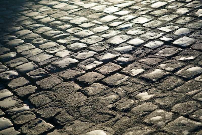清晨羅馬街道的沉寂。(曾廣儀攝)