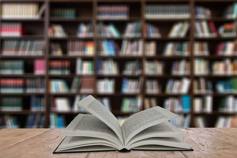 繁忙的生活讓時間碎片化,想要在工作之餘進行知識管理,這種建構式閱讀法趕緊筆記下來!(圖/geralt@pixabay)