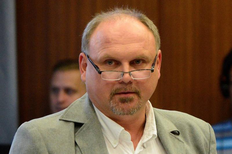 奧地利地方議員韋柏網路留言恐同又種族歧視,法院判決接受6個月網路禮儀課程(翻攝網路)