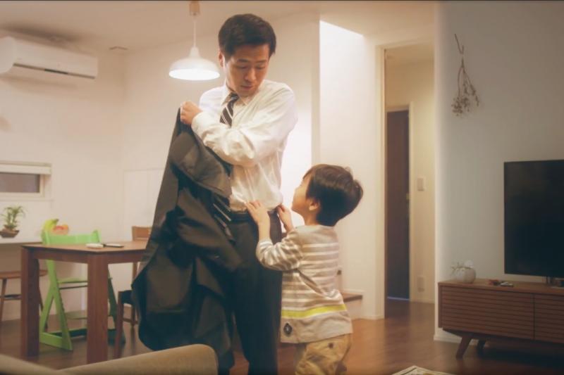 「你不要變得跟爸爸一樣」、「你媽媽真笨」...台灣父母常在孩子面前說另一半的壞話,但這個舉動可能會讓孩子付出慘痛代價。(圖/取自youtube)