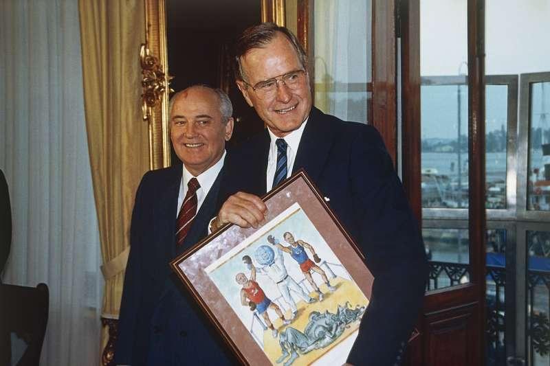 1990年9月9日,老布希和戈巴契夫。