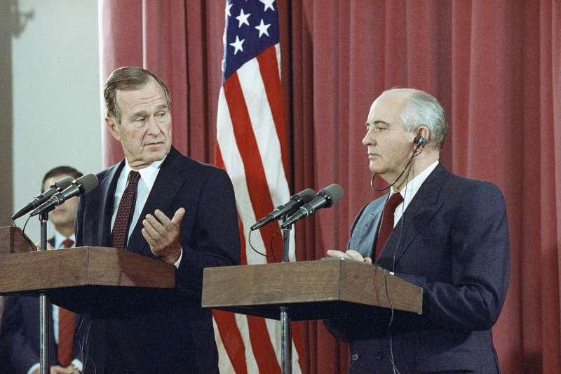 1991年10月29日,老布希和戈巴契夫。