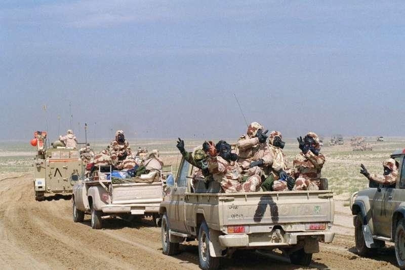1991年波斯灣戰爭期間,聯軍攻入科威特。(AP)