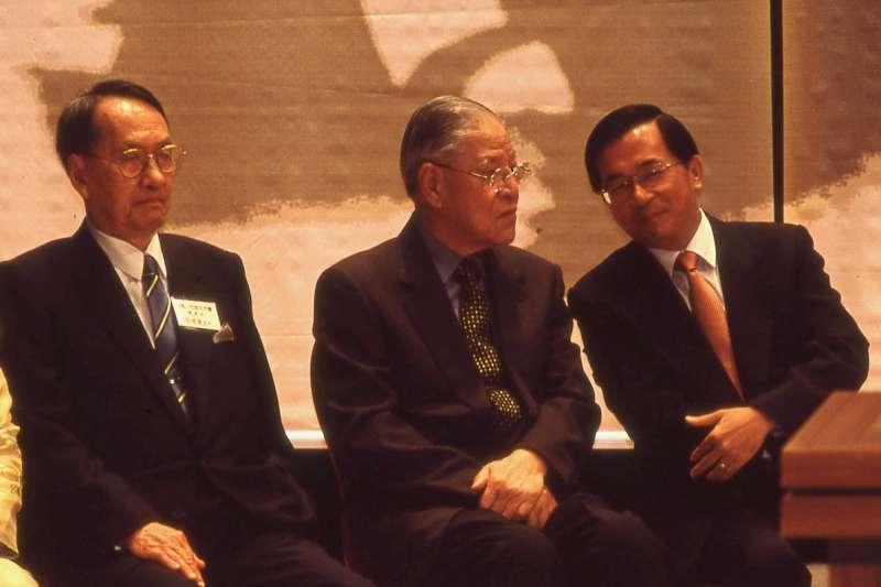 左起為彭明敏、前總統李登輝、陳水扁。(新新聞資料照)