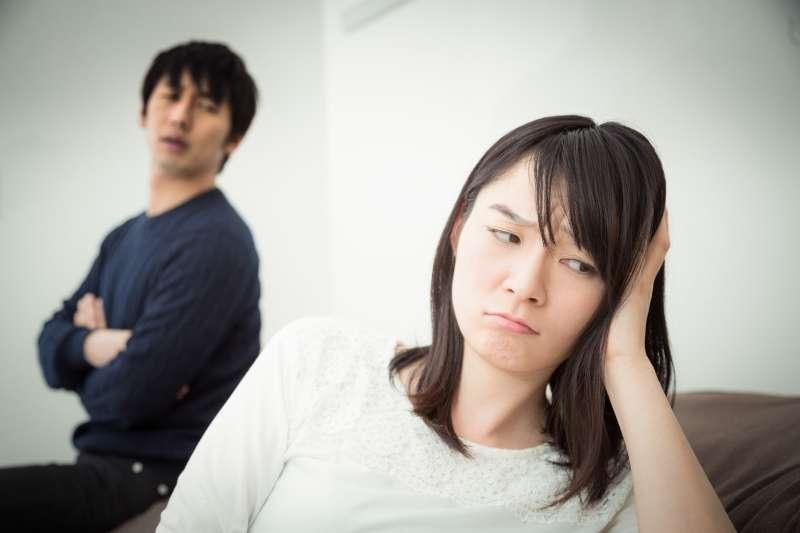 帶孩子好累,若先生完全不幫忙,偶爾孩子鬧情緒還會大發脾氣說老婆不會帶不會教,誰還敢生第二個?(圖/取自pakutaso)