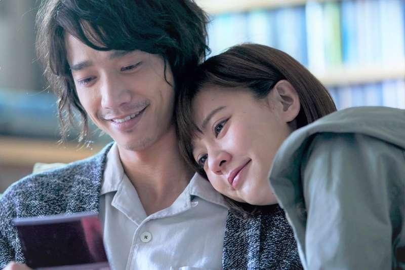 《比悲傷更悲傷的故事》是台灣首度翻拍韓國電影的國片,虐戀劇情讓觀眾不論男女老少都落淚。(圖/比悲傷更悲傷的故事@facebook)