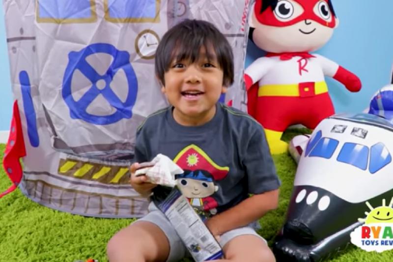 《富比世》雜誌公布2018年YouTuber收入榜單,今年的第一名是年僅7歲的萊恩(Ryan),他是怎麼做到的?(圖/Ryan ToysReview@ youtube)