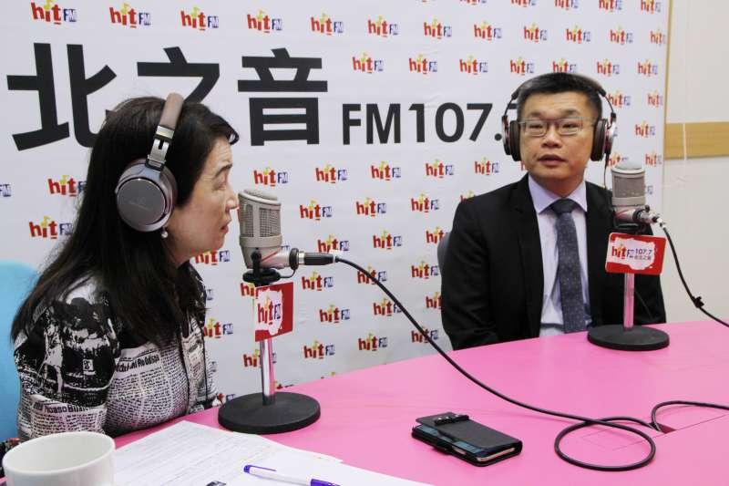 20181205-民進黨內隸屬新系的立法院副院長蔡其昌(右)5日接受《蔻蔻早餐》廣播專訪。(Hit Fm《蔻蔻早餐》製作單位提供)