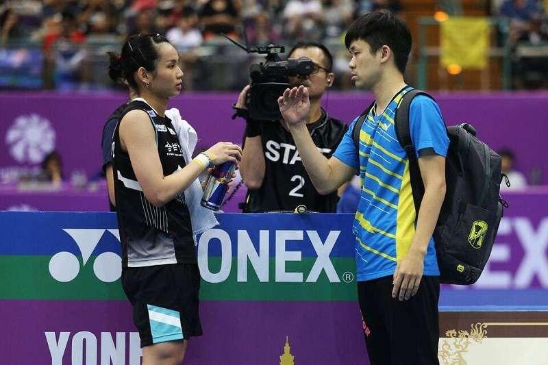 羽球國家隊總教練賴建誠(左)向羽協請辭,盼專心擔任世界球后戴資穎的教練。 (圖片取自戴資穎臉書粉絲團)