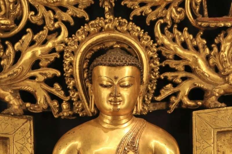 佛陀是「覺悟的人」(覺者)之意,這一用語成為佛教的專用語,正顯示了佛教是「智慧的宗教」。 (圖/澎湃新聞提供)