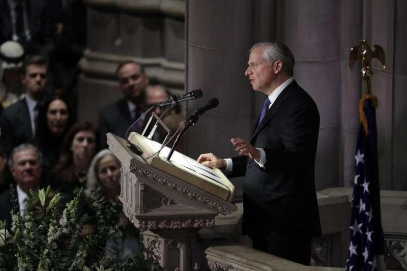 2018年12月5日,美國為前總統老布希舉行國葬,史家米契姆(Jon Meacham)致悼辭(AP)