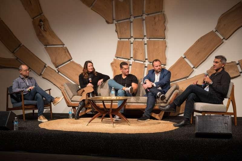 2018-12-06 座談會嘉賓由左至右:Larry Chu、Shannon McClenaghan、Shahin Farshchi、Cédric Hutchings以及Vivek Mehra(作者楊建銘提供)