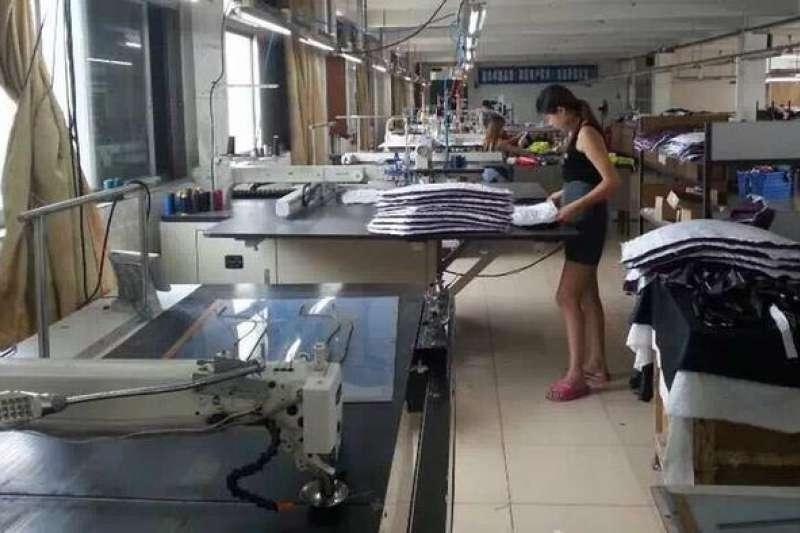 近年來,包括徐百弟在內的不少香港企業家都迫於成本壓力把工廠遷往鄰國。(德國之聲)