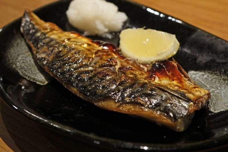 反映日本一整年來話題與社會現象的「今年的一道菜」6日公布,由有助女性美容與健康的鯖魚獲選。(Pixabay圖庫)