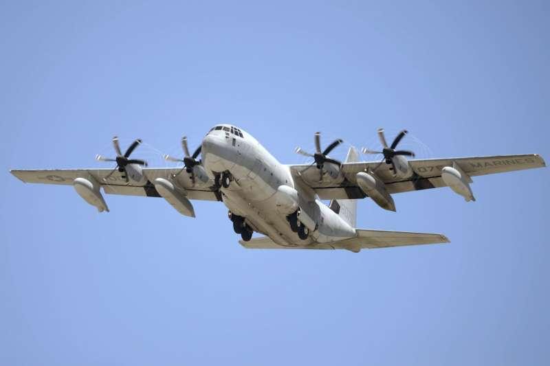 駐日美軍陸戰隊墜海意外:KC-130空中加油機(AP)