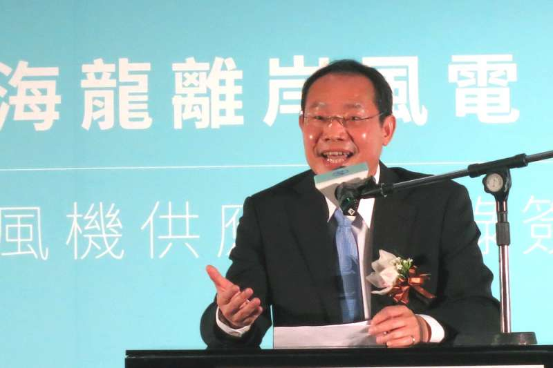 陳聰華表示大砍躉購費率,又取消階梯式費率,這對開發商是雙重打擊。(林哲良攝)